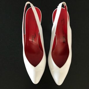 Vintage Oscar de la Renta White Slingback Heels